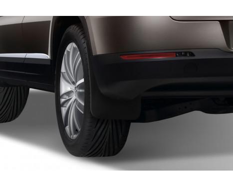 mud flaps set (mudflaps) Rear VW Tiguan, 2007->, SUV., Image 2