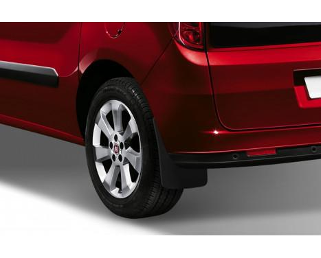 spatlappenset (mudflaps) achter FIAT DOBLO Van 2014-> 2 pcs., Afbeelding 2