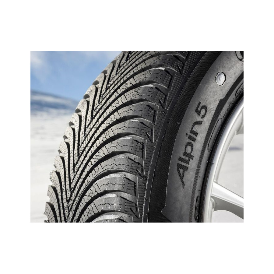 michelin alpin 5 215 55 r16 97v xl winter tyres. Black Bedroom Furniture Sets. Home Design Ideas