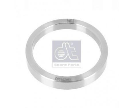 Ring, wheel hub