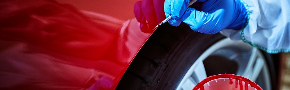 Zo vind je de kleurcode van de autolak!